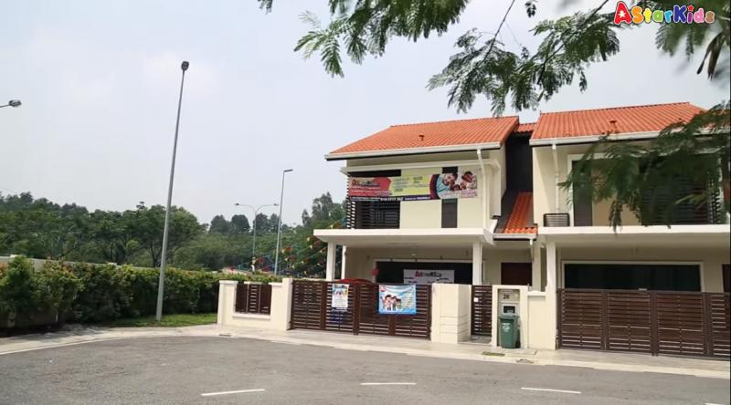 A Star Kids Montessori Kindergarten (Damai Impian)